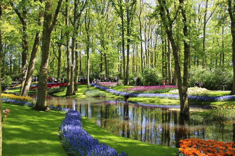 Der riesige Blumenpark Keukenhof ist unbedingt einen Besuch wert!