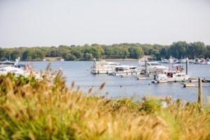 Ferienpark mit Yachthafen