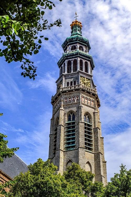 """Der Abteiturm """"Lange Jan"""", das Symbol von Middelburg."""